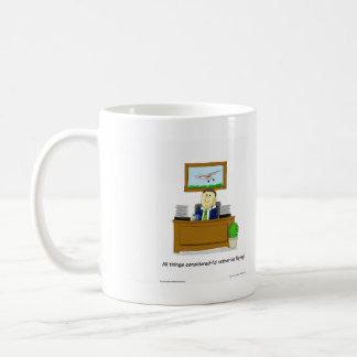 Originele cartoon, die dagdromenvlieger tonen koffiemok