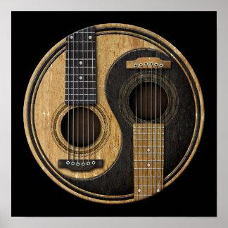 Oude en Versleten Akoestische Gitaren Yin Yang Poster