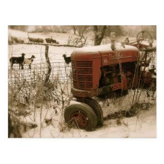 Oude Rode Tractor met het Briefkaart van Kerstmis