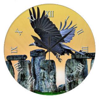 Oude Stonehenge & de Vliegende Gift van de Roek Ronde Klok Large
