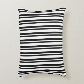 OUTDOOR-INDOOR_Snuggle_Pillows_Stripes_Black Accent Kussen