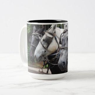 Paarden 842 van het ontwerp tweekleurige koffiemok