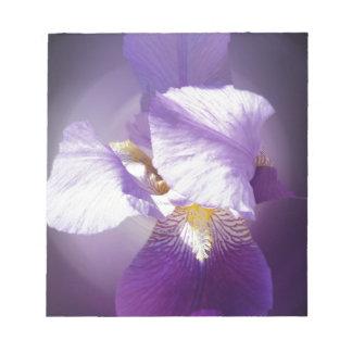 paarse irisbloem notitieblok
