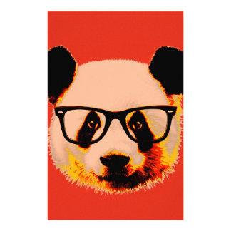Panda met glazen in rood briefpapier