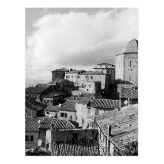 Panorama van Volterra dorp, provincie van Pisa Briefkaart
