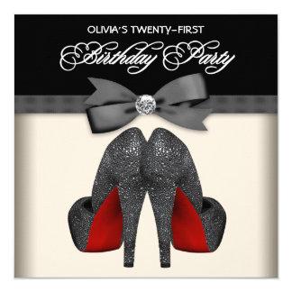Partij van de Verjaardag van de rode Zwarte Vrouw 13,3x13,3 Vierkante Uitnodiging Kaart