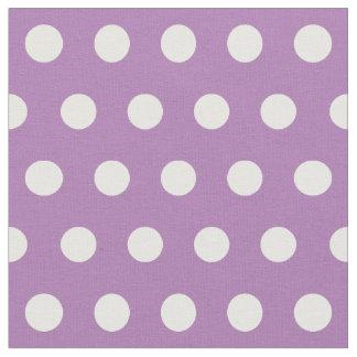 Pas uw eigen stippenpatroon in paars aan stof