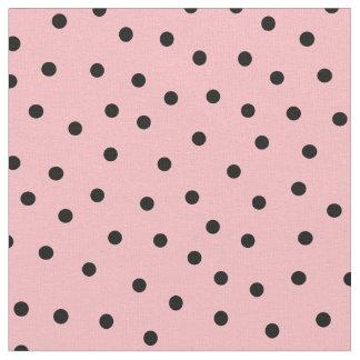 Pas uw eigen zwarte stippen in roze aan stof