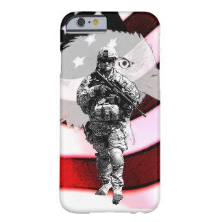 Patriottische Militair met Eagle en de Vlag van de Barely There iPhone 6 Hoesje