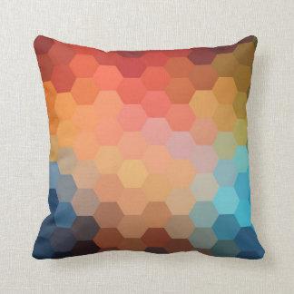 Patroon 2 van de Chevron van de regenboog Hexagon Sierkussen