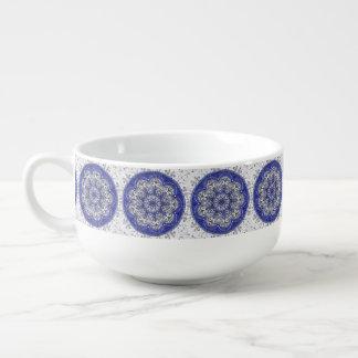 Patroon Mandala van de Mok van de soep het Blauwe