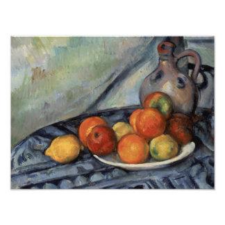 Paul Cezanne - Fruit en een Kruik op een Lijst Foto Afdruk
