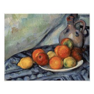 Paul Cezanne - Fruit en een Kruik op een Lijst Foto Afdrukken