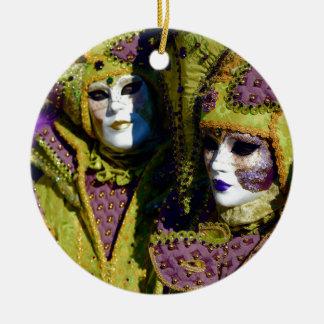 Peer en de Antiek Fuchsiakleurig Kostuums van Rond Keramisch Ornament