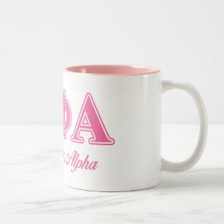 Phi van de theta Alpha- Roze Brieven Tweekleurige Koffiemok