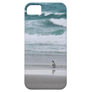 Pinguïn die van de oceaan terugkeren barely there iPhone 5 hoesje