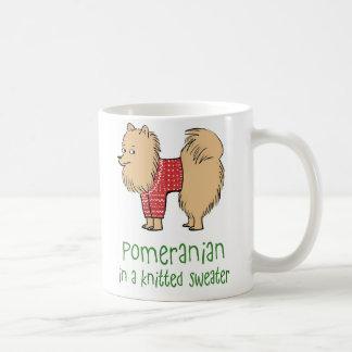 Pomeranian in een Gebreide Sweater Koffiemok