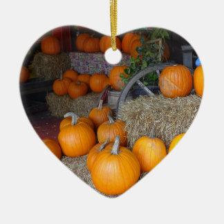 Pompoenen op Stro Keramisch Hart Ornament