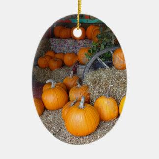 Pompoenen op Stro Keramisch Ovaal Ornament