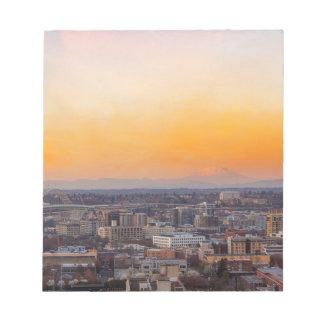 Portland OF Cityscape en de zonsondergang van MT Notitieblok