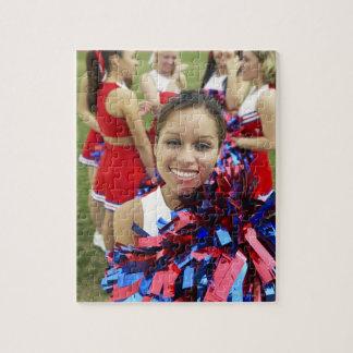 Portret van een Cheerleader voor een Groep Puzzel