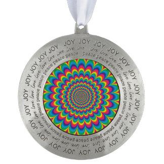 Psychedelische regenboog abstract ontwerp rond pewter ornament
