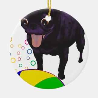 Pug van Sheila - de Liefde van de Bal Rond Keramisch Ornament