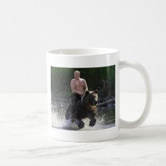Putin berijdt een beer! koffiemok