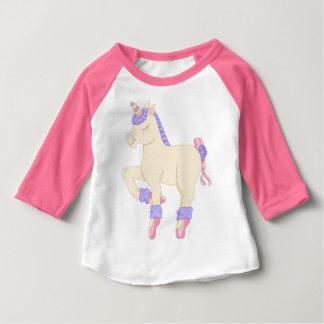 Raglan van de Eenhoorn van het ballet T-shirt