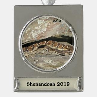 Ratelslang bij Nationaal Park Shenandoah Verzilverd Banner Ornament