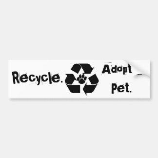 Recyclen., keur een Huisdier goed. De Sticker van  Bumpersticker