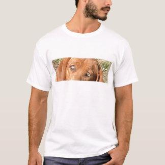 Redbone_Coonhound eyes.png T Shirt