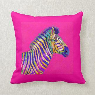 regenboog zebra met fuschia roze hoofdkussen sierkussen