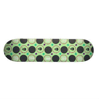 Retro Patroon van de Schedel van de Pret Groene Skateboards