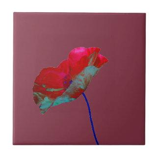 Rode blauwe papaver op het rood van Bourgondië Tegeltje