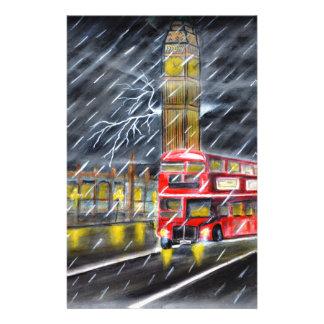 Rode Bus in de nachtregen van Londen Briefpapier