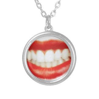 Rode lippen zilver vergulden ketting