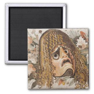 Roman mozaïek, met masker, bladeren en fruit magneet