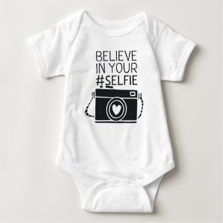 Rompertje met de tekst: Believe in your #selfie Baby Bodysuit