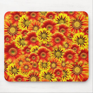 Rood geel bloempatroon muismatten
