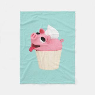 Rosa is a cupcake fleece deken