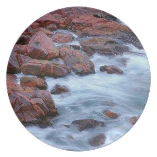 Rotsachtige oever met water, Canada Melamine+bord