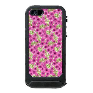 Roze de bloempatroon van de waterverfpetunia incipio ATLAS ID™ iPhone 5 hoesje