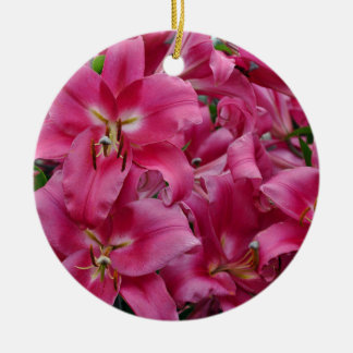 Roze dromerlelies rond keramisch ornament