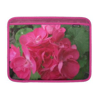 Roze Geraniums MacBook Beschermhoes