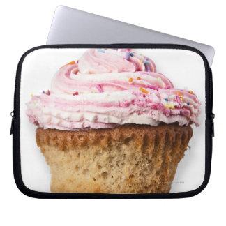 Roze kopcake, op witte verwijderde achtergrond, laptop sleeve