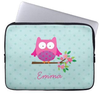Roze Uil op een Tak Gepersonaliseerd Laptop Sleeve