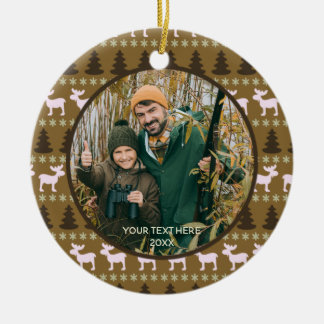Rustieke Bruine Wildernis, Foto Twee, Met twee Rond Keramisch Ornament
