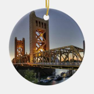 Sacramento 2 rond keramisch ornament