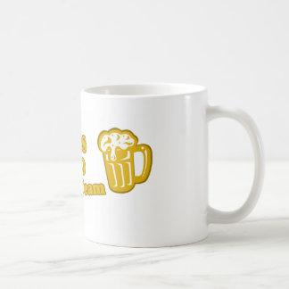 San Luis Obispo die het t-shirtoverhemden drink Koffiemok